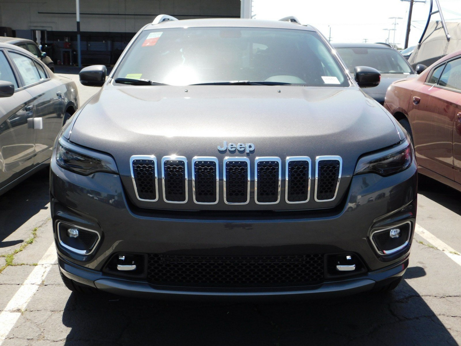 New 2019 JEEP Cherokee Overland Overland 4x4 in Downey