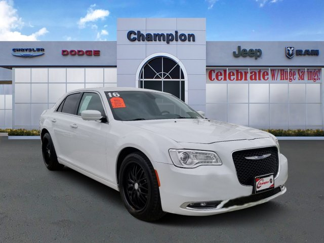 Pre-Owned 2016 Chrysler 300 Anniversary Edition